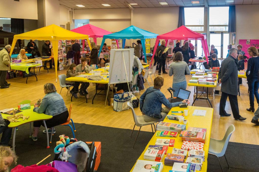 Salon de la jeunesse acr rugles association culturelle for Salon de la medecine douce